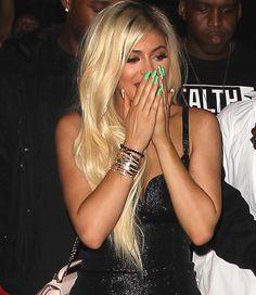 Se elas já causam só por existir, imagina quando chega o aniversário de uma Kardashian-Jenner – ainda mais se forem os 18 anos de Kylie Jenner?! O dia do nascimento da caçula do clã é hoje, 10 de agosto, mas as comemorações estiveram a toda no final de semana! Depois de um jantar mais sussa …