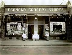 The first Economy grocery store which would grow into Stop & Shop. Opened by the Rabinovitz family in Somerville, MA Dolls House Shop, Building Front, Stop And Shop, Store Image, Old Country Stores, Shop Fronts, Old Buildings, Grand Hotel, Vintage Pictures