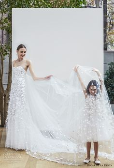 oscar de la renta spring 2018 bridal strapless sweetheart neckline heavily embellished bodice romantic a  line wedding dress chapel train (15) mv -- Oscar de la Renta Spring 2018 Wedding Dresses