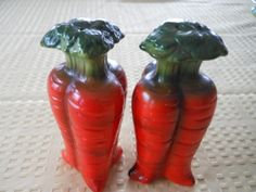 Carrott Salt and Pepper Shakers  Vintage by DEWshophere on Etsy, $14.99