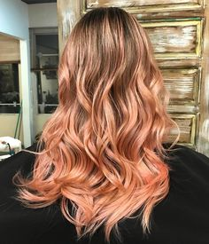 @dear_bella Highlighted ombre waves, blorange waves with a bright almost coppery shade at the bottom, makes a wonderful contrast to the deep blond roots.