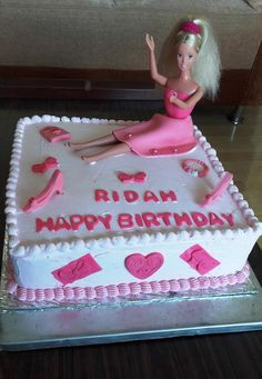 Barbie Themed Cake