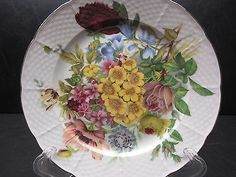 Visit My eBay Store: inside-inspirations St. Martin Email De Limoges Dinner Plate Basket Weave Rim Floral Pattern Manufacture #SMQ2 This piece is in mint condition. Never used. There are no chips, cr