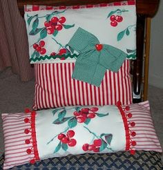 Dianne Zweig - Kitsch 'n Stuff: Colorful Handmade Pillows Made From Vintage… Vintage Sheets, Vintage Pillows, Vintage Textiles, Vintage Linen, Upcycled Vintage, Repurposed, Vintage Vogue, Handmade Pillows, Handmade Home Decor