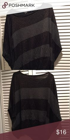 Urban Outfitters Grey/black/gold Sweater Size M Urban Outfitters Sparkle & Fade Grey/black/gold 3/4 Sleeve Sweater Size M  Grey and black stripes (black has gold shimmer) Not bulky looking but keeps you warm Some piling but shirt is in great shape 45% viscose 30% nylon 20% cotton 5% bamboo Sparkle & Fade Sweaters Crew & Scoop Necks