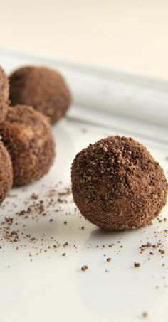 Welsh Chef, James Sommerin, uses the South American tonka bean - available online or from specialist food shops for these truffles. It has an almost hay-like, vanilla aroma to give Kahlúa-infused white truffles an interesting extra layer of flavour