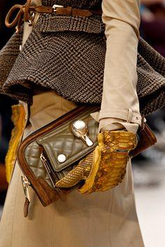 Burberry Prorsum v gloves/purse