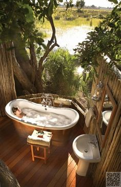 16. #Private Space #Outdoors - 30 Incredible Bath Tubs You Need to See to #Believe ... → #Lifestyle #Slipper