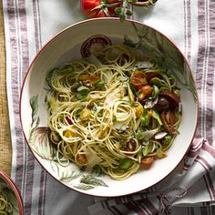 Fresh Spaghetti with Heirloom Tomatoes and Basil | Williams-Sonoma