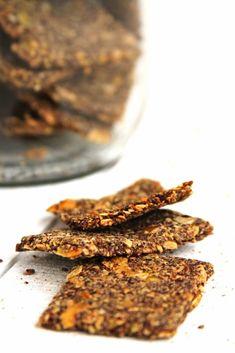Receita de biscoito salgado sem glúten, sem lactose, sem ovo feito com sementes | www.amorpelacomida.com.br