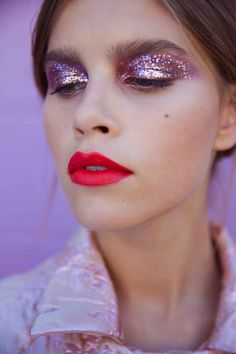 GLITTER: Ready to play? Arm yourself with these tips so you stand out for all the right reasons