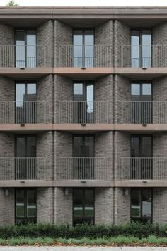 Henley Halebrown's ensemble of student residences at Roehampton University is informed by layers of history, finds David Grandorge Words, photos Dav. Architecture Today, Modern Architecture Design, Victorian Architecture, Modern Architecture House, Facade Design, Facade Architecture, Residential Architecture, Brick Facade, Facade House