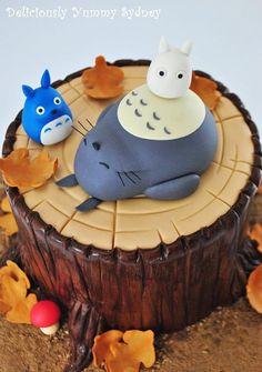 Totoro cake (Rinde mit Kaffee? Totoros mit Ali innen)