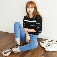 . 럽미제작'브라더단가라NT'를 소개 드려요 불규칙한 스트라이프 패턴으로 질리지않아요 :() #한국#스타일#옷스타그램#데일리룩#korea#style#fashion#dailylook