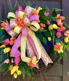 Easter Wreaths, Christmas Wreaths, Summer Wreath, Spring Wreaths, Memorial Flowers, Tulip Wreath, Crafty Craft, Grapevine Wreath, Grape Vines