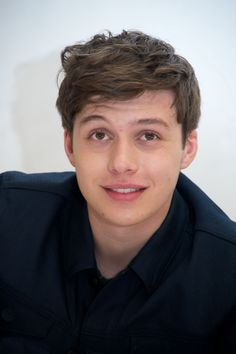 "Jun 12 | ""The 5th Wave"" Press Conference - 0002 - Nick Robinson Fan / Photo Archive"