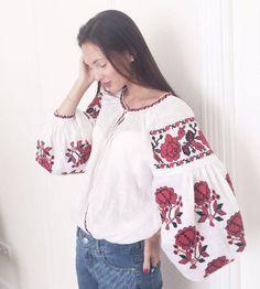 Linen Embroidered Shirt Ukrainian Vyshyvanka Linen Shirt With Roses Pattern Ukrainian Clothing Mexic Embroidery Fashion, Vintage Embroidery, Embroidery Patterns, Folk Fashion, Ethnic Fashion, Estilo Folk, Ukrainian Dress, Ethno Style, Denim Art
