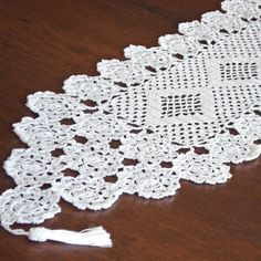 caminho de mesa em croche 1,70x0,35m primavera