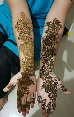 Best 12 Mehndi henna designs are always searchable by Pakistani women and girls. Women, girls and also kids apply henna on their hands, feet and also on neck to look more gorgeous and traditional. Indian Henna Designs, Mehndi Designs For Girls, Stylish Mehndi Designs, Mehndi Designs For Beginners, Dulhan Mehndi Designs, Mehndi Design Pictures, Wedding Mehndi Designs, Arabic Mehndi Designs, Latest Mehndi Designs