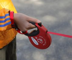 """Retractable lead for dog called """"Free Walker"""" M size Red / 伸縮式リード「フリーウォーカー」 Mサイズ 赤"""