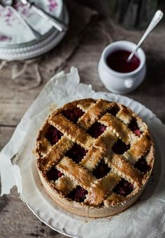 Pear tart raspberry ginger. Web site has recipe & instructions. Translate from French to English.