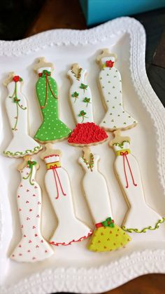 Christmas Dress Sugar Cookies | #christmas #xmas #holiday #food #desserts