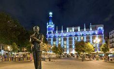 Plaza de Santa Ana, Madrid España. Best Hotels In Madrid, Madrid Travel, Places In Spain, Santa Ana, Best Cities, Trip Planning, Barcelona, Vacation, World