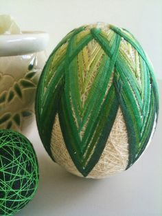 Egg Temari Egg Crafts, Easter Crafts, Diy And Crafts, Japanese Ornaments, Temari Patterns, Egg Tree, Quilted Ornaments, Weird Shapes, Egg Designs