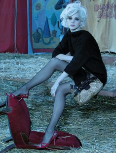 Americana Manhasset Fall/Winter 2006 / The Chicest Show On Earth / Jessica Stam / Laspata DeCaro