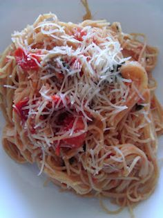 Waist Not, Want Not. Recipes, Tips and Tricks for the Health Conscious: Meatless Monday: Capellini Pomodoro with Baby Bella Mushrooms Gourmet Recipes, Pasta Recipes, Cooking Recipes, Healthy Recipes, Liver Recipes, Capellini, World Recipes, Skinny Recipes, Meatless Monday