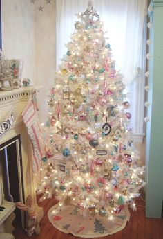 Vintage Ideas Pink shabby Christmas tree - When Christmas comes around, we all look to get the largest and best tree to decorate. However, the decorations are ultimately what makes a successful Christmas tree. Whether you're looking for glam Christmas. White Christmas Trees, Beautiful Christmas Trees, Noel Christmas, Pink Christmas, Winter Christmas, Christmas Tree Decorations, Vintage Christmas, White Trees, Xmas Trees