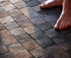 Thought you had to pay big bucks for new flooring? These DIY flooring ideas will have you replacing your own outdated flooring! End Grain Flooring, Diy Flooring, Wooden Flooring, Flooring Ideas Unique, Wood Block Flooring, Flooring Options, Wood Floor, Bois Diy, Natural Building