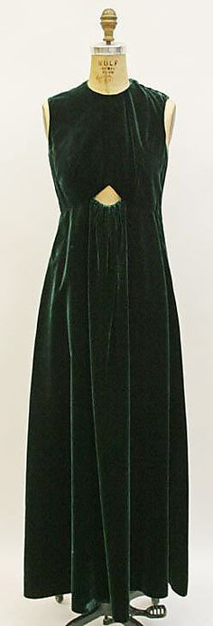 late 60s Mdame Gres Evening dress Metropolitan Museum of Art, NY