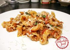 pasta with tomatoes sausage and mushrooms
