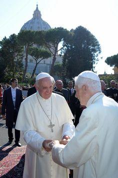 Papa Francesco con Benedetto XVI