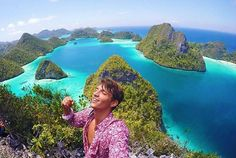 "Rajaampat, Indonesia @jorgequinoa - ""Feeling the sky while still on earth #Backpackerstory #backpacker #travel #destination"