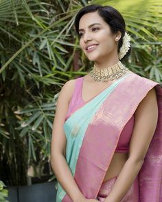 All Hollywood Actress, Most Beautiful Hollywood Actress, Beautiful Actresses, Sonam Kapoor, Deepika Padukone, Indian Attire, Indian Wear, Indian Sarees, Silk Sarees