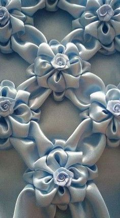 Wonderful Ribbon Embroidery Flowers by Hand Ideas. Enchanting Ribbon Embroidery Flowers by Hand Ideas. Smocking Tutorial, Smocking Patterns, Hand Embroidery Patterns, Embroidery Stitches, Embroidery Designs, Sewing Patterns, Techniques Textiles, Fabric Manipulation Techniques, Techniques Couture
