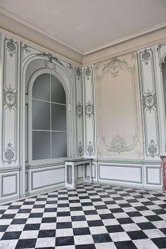 The Devoted Classicist: Pavillon Frais Restoration