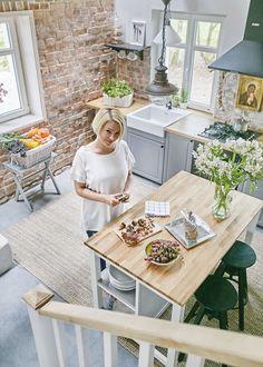 Farmhouse Style Kitchen, Home Decor Kitchen, Country Kitchen, Home Kitchens, Modern Kitchen Design, Interior Design Kitchen, Small Apartment Kitchen, Kitchen Remodel, Sweet Home
