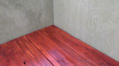 Pallet wood flor with cherry oil