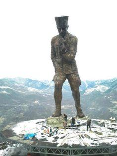Genya Dağı, Ata Tepe, Artvin - Sıtkı Tepeoğlu yaptırmış, dünyanın en büyük Atatürk heykeli...