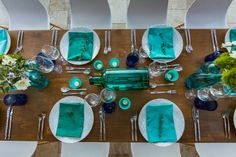 Bright #teal and #royal blue color palette. #design #blue #lilies #wedding #destination #eventdesignbymariannaidirin