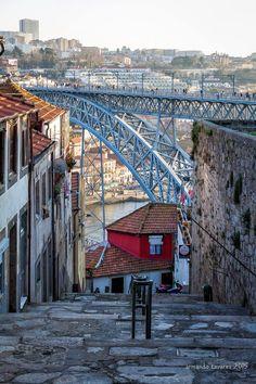 Ponte Luis I - Escadas dos Guindais/ Porto Portugal Visit Portugal, Portugal Travel, Spain And Portugal, Bridges Architecture, Coimbra Portugal, Porto City, Douro, Famous Places, Countries Of The World