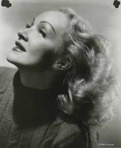 Marlene Dietrich, I'm not kind, I'm vicious. It's the secret of my charm. : Photo