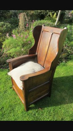 Lambing chair Early American Homes, Chair Bench, Benches, Furniture Ideas, 18th, Armchair, Chairs, House, Home Decor