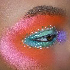 >Electric Spring<  #viseart Editorial Brights Palette #mehron Paradise Makeup AQ - White + Orange #wetnwildbeauty Clear Gloss #katvondbeauty Alchemist Palette Pink + Purple + Green  #naturallyerratic • • • • • • •  #eyeart #eotd #eyemakeup #makeup #mua #eyeshadow #beauty #makeupartist  #purplemakeup #brows #100daysofmakeup #makeupart  #1000daysofmakeup  #abstract #orangemakeup #editorialmakeup #brows #crueltyfreebeauty #smokeyeye #editorial #glitter #glossy  #Regram via @naturallyerratic