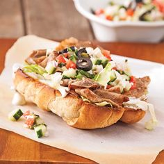 Beef Recipes, Salad Recipes, Cooking Recipes, Healthy Recipes, Grilled Cheese Burger, Vegan Burgers, Vegetable Drinks, Wrap Sandwiches, Healthy Eating Tips