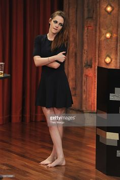 Kristen Stewart visits 'Late Night With Jimmy Fallon' at Rockefeller Center on November 7, 2012 in New York City.