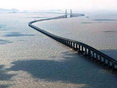 #Puente Donghai, #China. Es el puente más largo del mundo que cruza el mar. (32,5 km). Vía twitter @solestudiosing  #Ingeniería